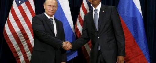 Guerre ou paix ? Russie – États-Unis se serrent la main devant les caméras tout en se montrant les dents sur le terrain