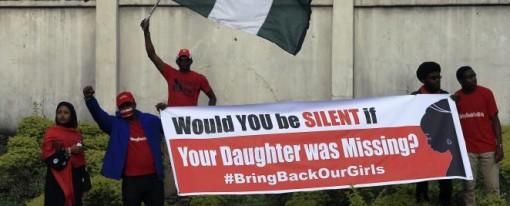 François Hollande au Sommet du Nigeria sur la sécurité de l'Afrique : chef des armées ou chef désarmé dans la lutte contre Boko Haram ?